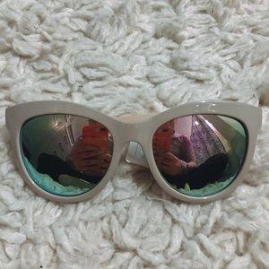 • nwt ➳ london fog mirrored cat eye sunglasses •